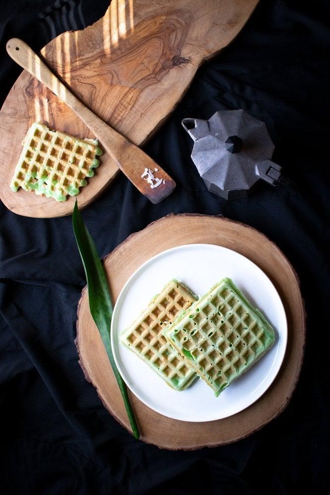 Vietnamese Coconut Pandan Waffle Recipe