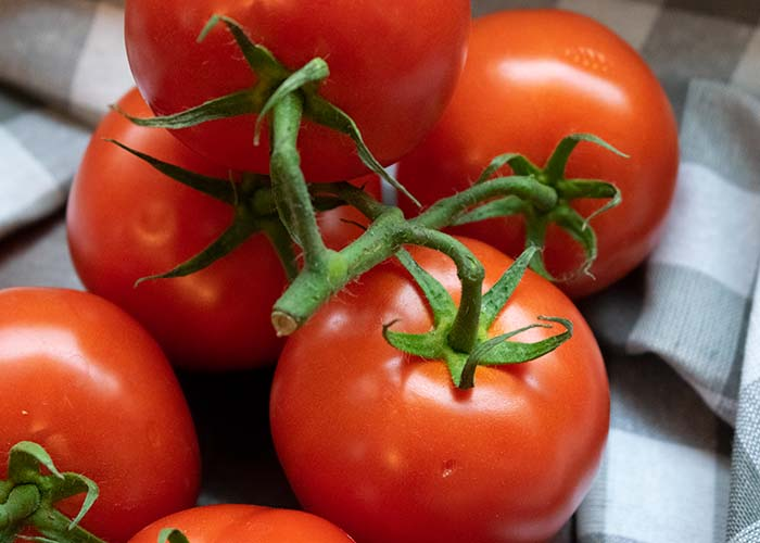 tomatoes on the vine for low carb tomato sauce recipe